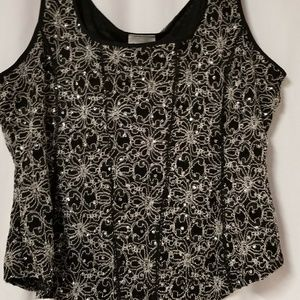Tops - Sequined flower top